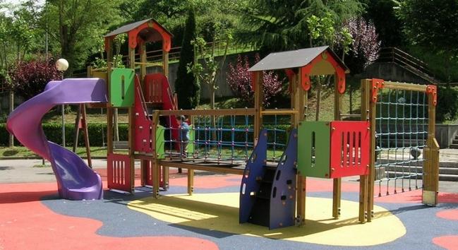 Columpios infantiles para jardin columpios tortugas y los - Parque infantil casa ...